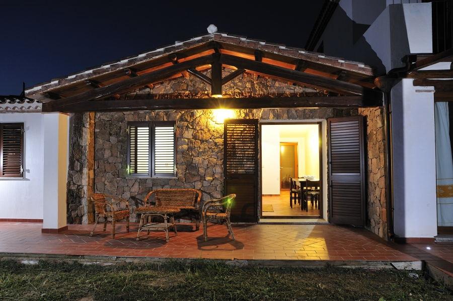 Case Di Pietra Sardegna : Villa ginestra castiadas ville esclusive sud sardegna
